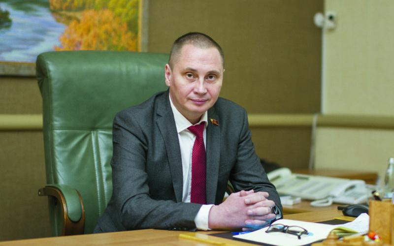 Андрей Борисов поздравляет с годовщиной освобождения Смоленска от фашистских захватчиков и Днем города