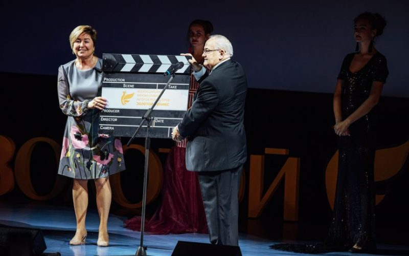 В Смоленске состоялось открытие традиционного фестиваля актеров-режиссеров «Золотой Феникс»