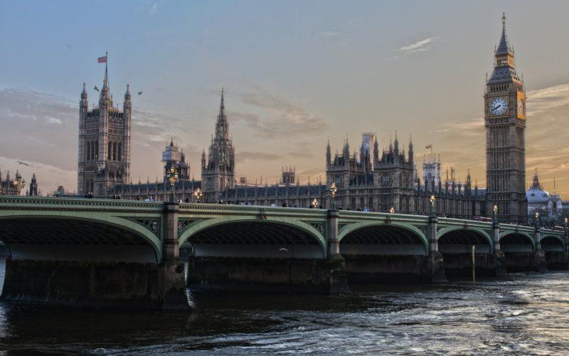 Великобритания поддержит санкции против России по делу Алексея Навального