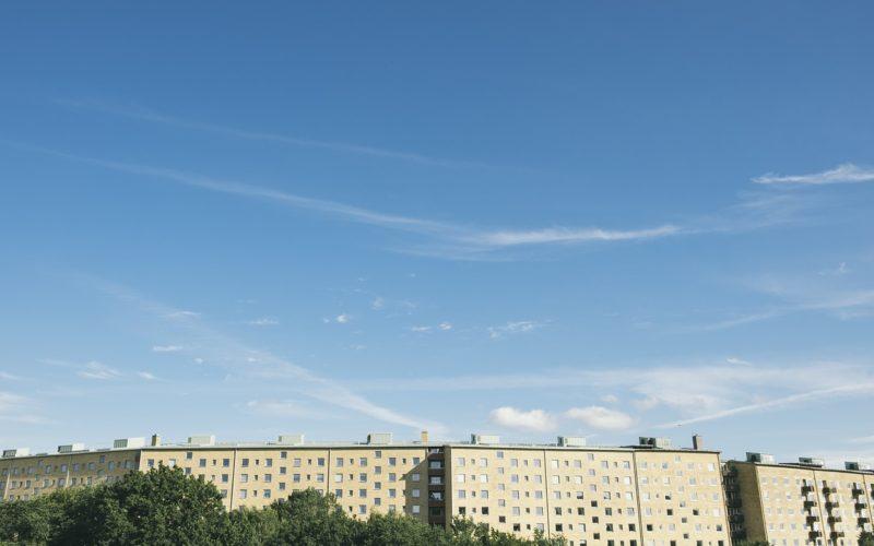 В жилом доме в Смоленске может рухнуть крыша
