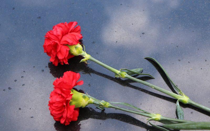 В Смоленске простились с погибшим во время крушения вертолета на границе Армении с Азербайджаном Романом Фединым