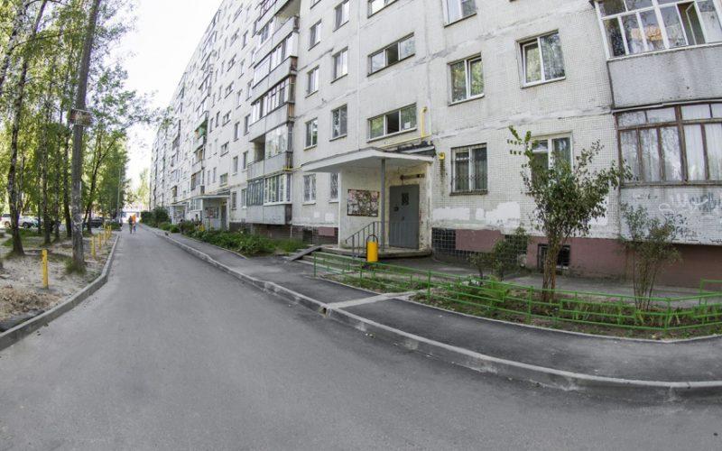 Сколько дворов и межквартальных проездов отремонтируют в Смоленске в следующем году
