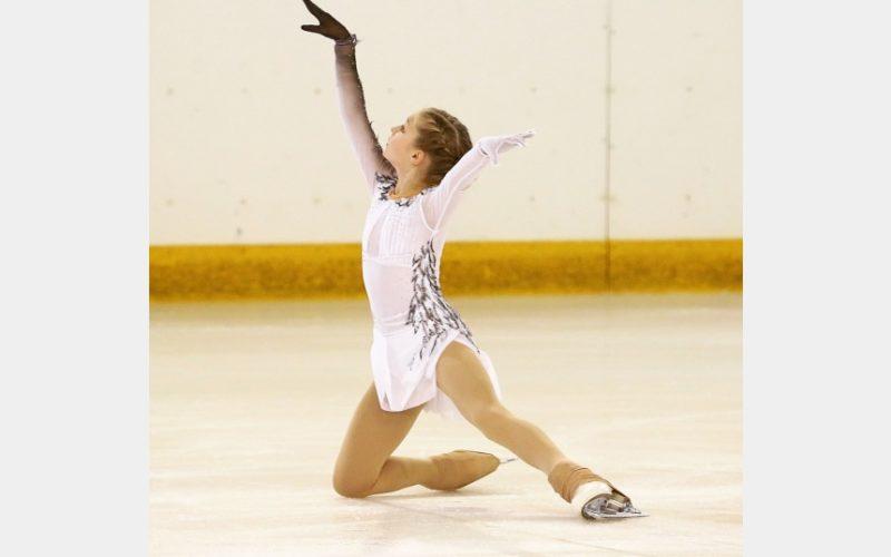 Юные спортсмены соревновались в фигурном катании в Кубке города Смоленске и городском турнире