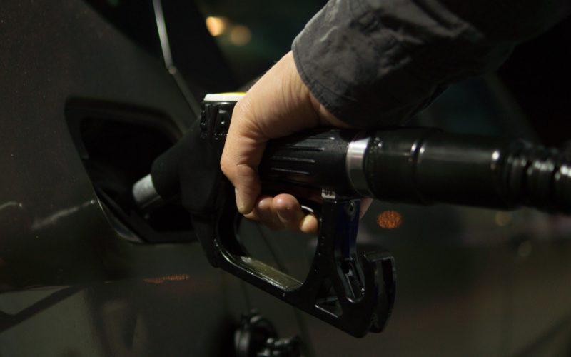На Смоленщине подорожал бензин и дизельное топливо
