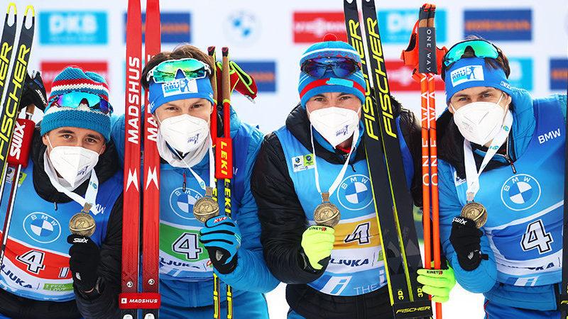 В мужской эстафете на ЧМ по биатлону сборная России заняла третье место