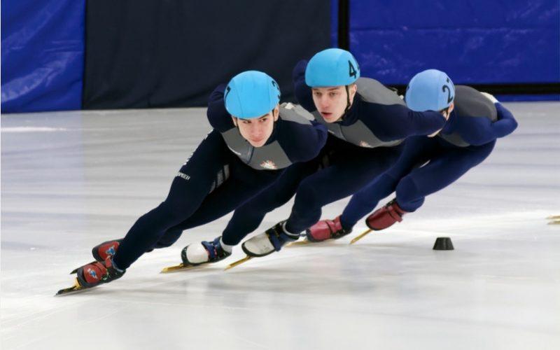 В Смоленске прошли чемпионат и первенство города по шорт-треку