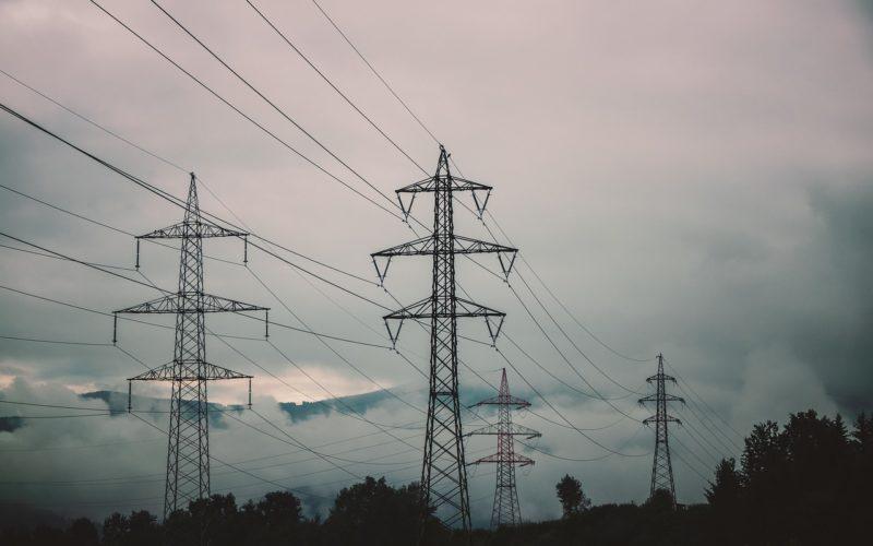 В этом году Смоленскэнерго отремонтирует 940 километров линий электропередачи