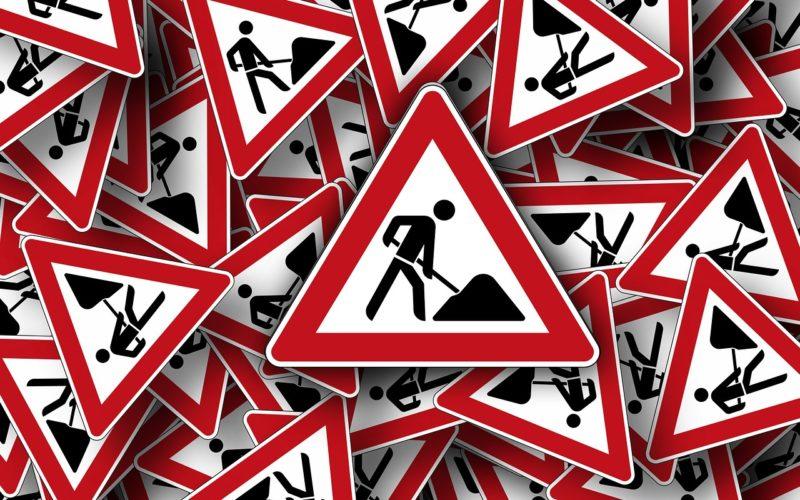 2 890 дорожных знаков и 95 остановочных павильонов установили на дорогах Смоленской области