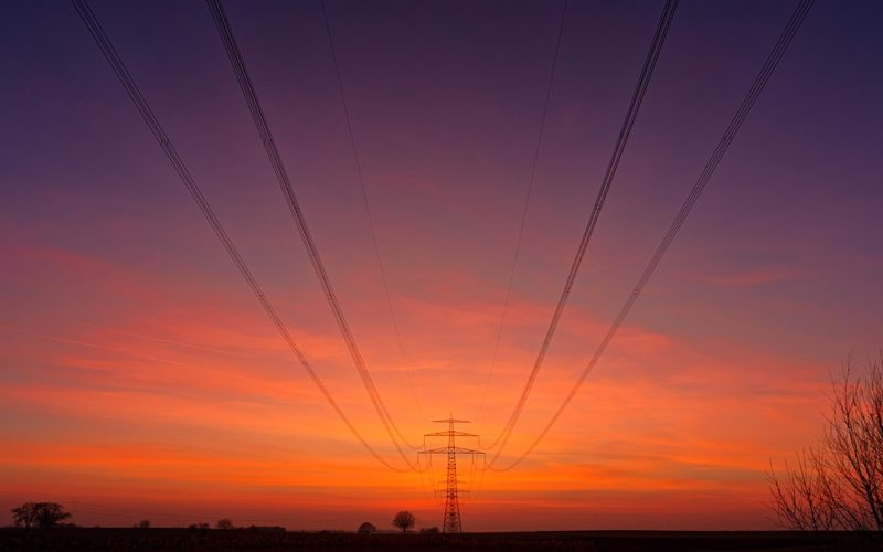 В Смоленской области рабочий погиб от разряда тока под линией электропередач