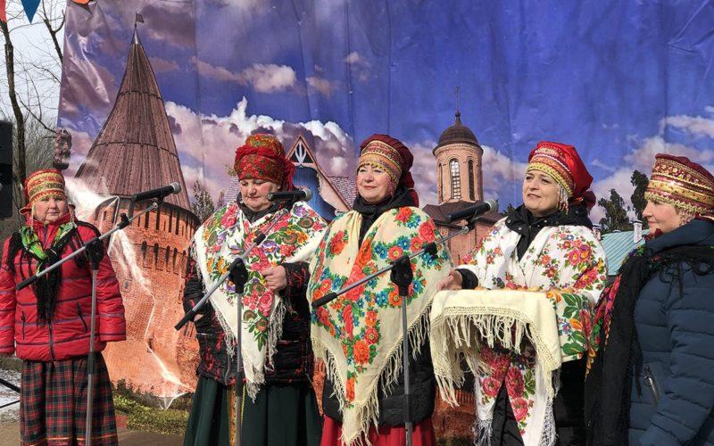 Смоленский областной центр народного творчества закликал весну