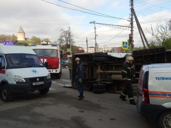 В Смоленске после столкновения с фургоном опрокинулось маршрутное такси с пассажирами
