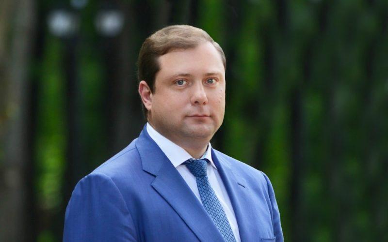Губернатор Смоленской области Алексей Островский поздравляет с Днем Победы