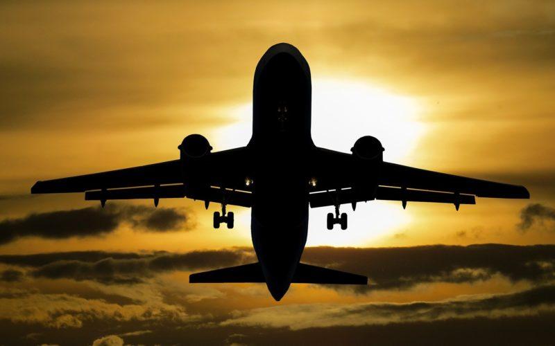 Из-за инцидента с экстренной посадкой самолета в Минске, авиакомпании принимают решение не летать над Белоруссией