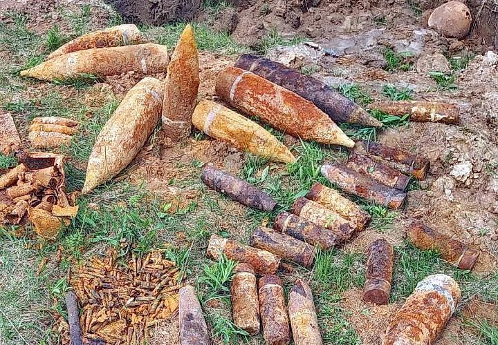 В Вяземском районе уничтожен схрон с боеприпасами времен Великой Отечественной войны