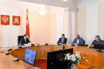 Социально-трудовые отношения в Смоленской области обсудили власти региона