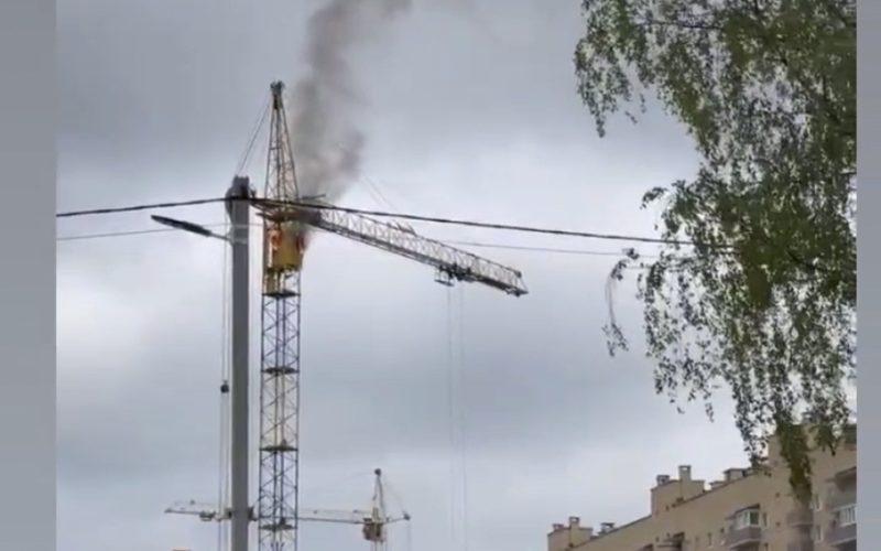 В Смоленске горела кабина башенного крана