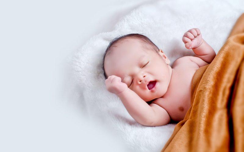 301 малыш появился на свет в Смоленске в июле