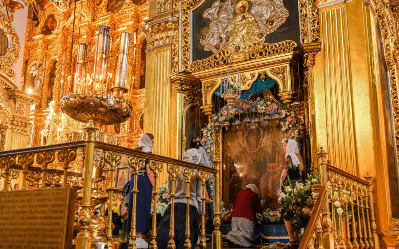 Торжества в честь Смоленской иконы Божией Матери «Одигитрия» прошли в Свято-Успенском кафедральном соборе