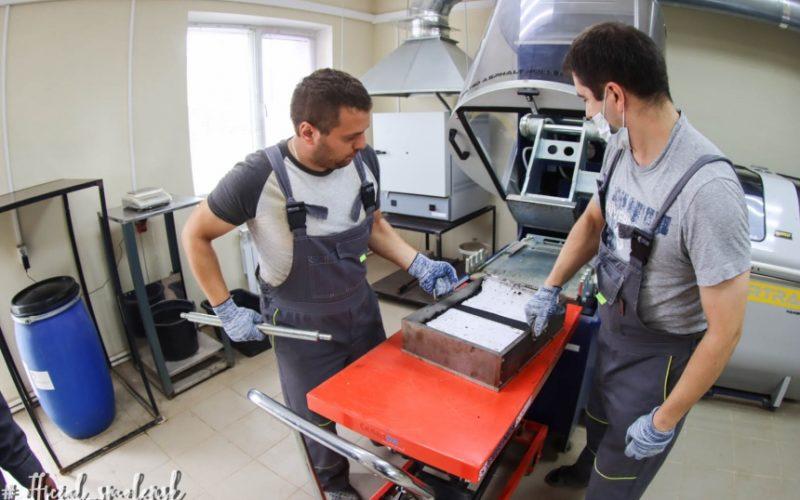 В Смоленске с помощью специальной установки проверяют качество ремонта дорог