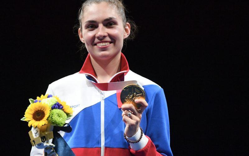 Саблистка Софья Позднякова дала советы смоленским спортсменам