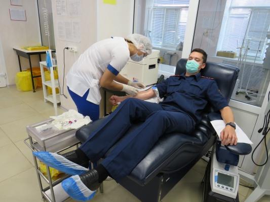 Офицеры регионального СУ СК сдали кровь и плазму для помощи больным коронавирусной инфекцией