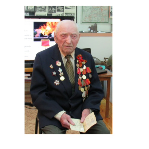 Вековой юбилей отмечает сегодня почетный гражданин Дорогобужского района Иван Глазков