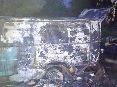 Смоленские пожарные оперативно потушили горевшую «газель»